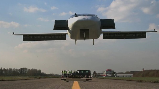 Máy bay cất cánh thẳng đứng Lilium Jet