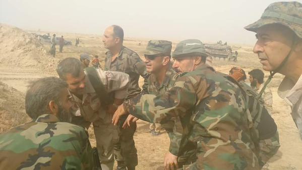 Binh sĩ quân đội Syria trong khu vực sân bay quân sự Deir Ezzor