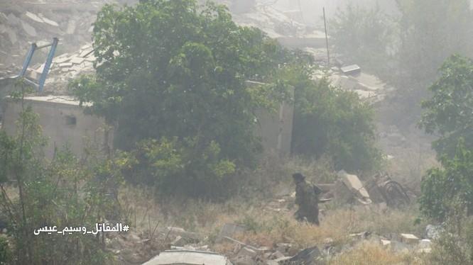 Xe tăng quân đội Syria trên chiến trường Al-qaboun, Damascus