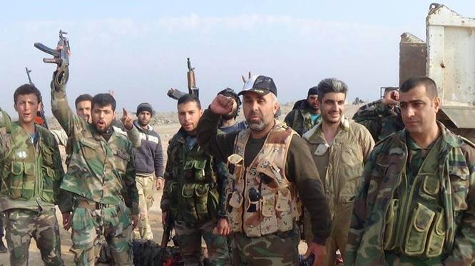 Binh sĩ quân đội Syria chuẩn bị ra chiến tuyến ở Deir Ezzor