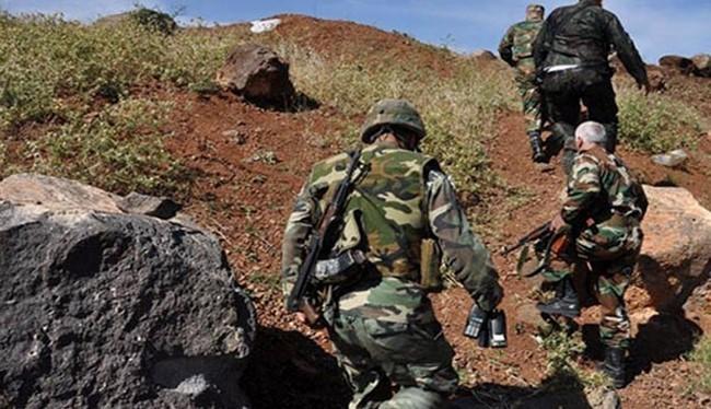 Binh sĩ quân đội Syria chiến đấu ở Daraa