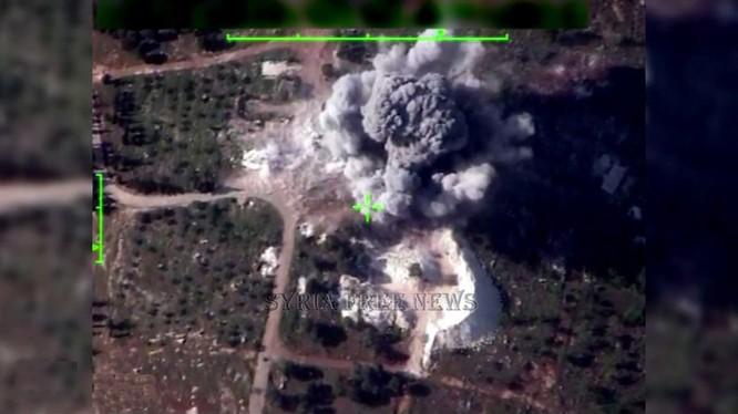 Máy bay Syria không kích chính xác mục tiêu căn cứ địa phiến quân thánh chiến