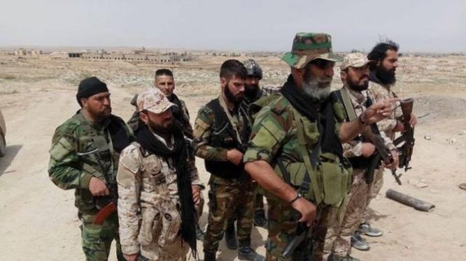Binh sĩ lực lượng lữ đoàn 104 Vệ binh Cộng hòa ở Deir Ezzor