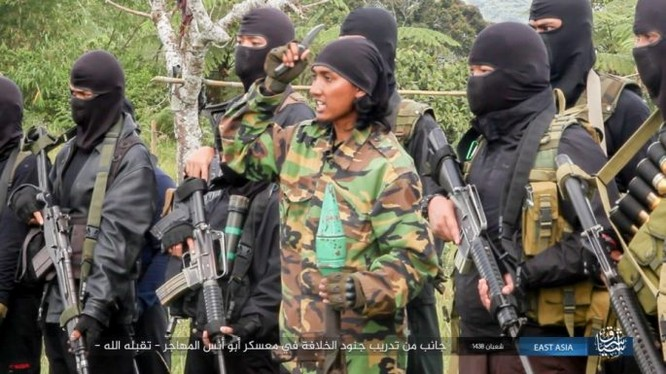 Một nhóm chiến binh IS ở Đông Nam Á, không rõ địa điểm