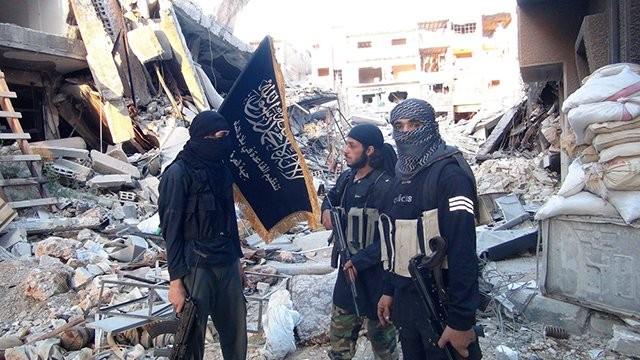 Nhóm chiến binh thánh chiến Al-Qaeda Syria trong trại Yamouk