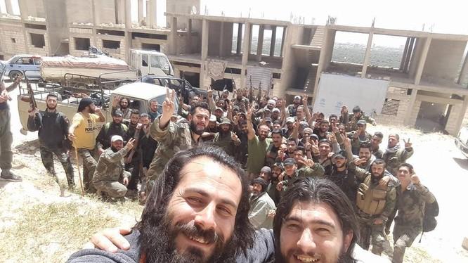 Một đơn vị Vệ binh Cộng hòa chuẩn bị đến chiến trường Deir Ezzor
