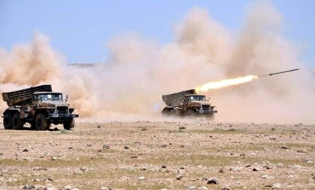 Pháo phản lực Grad của quân đội Syria tấn công phiến quân