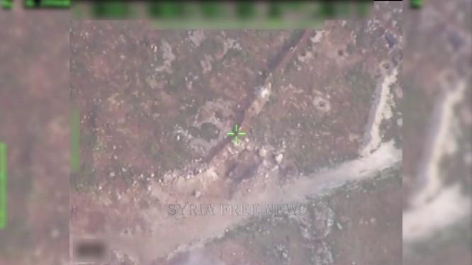 Camera máy bay không người lái Nga trinh sát chiến trường Aleppo