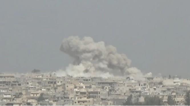 Không quân Syria dồn dập không kích hai thị trấn còn lại trên vùng nông thôn miền bắc Hama