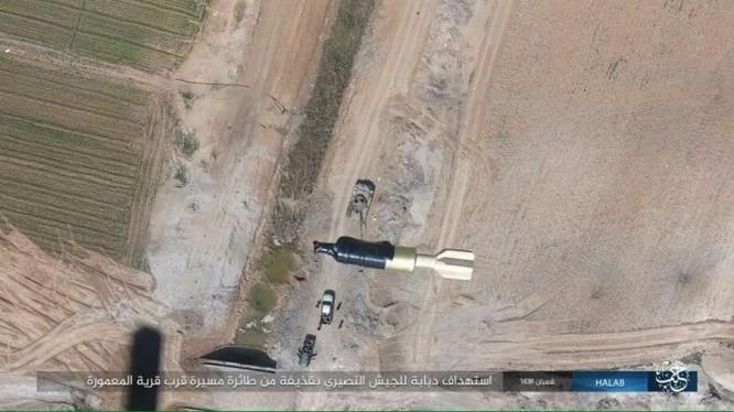 IS sử dụng drone ném bom xe tăng quân đội Syria