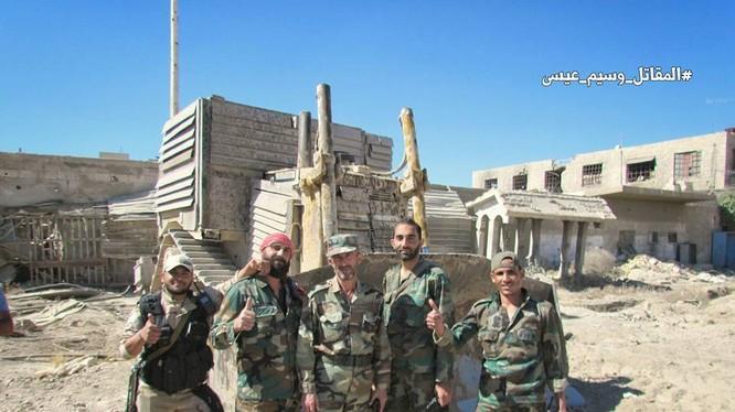 Binh sĩ quân đội Syria trong khu vực 3 quận ngoại ô Damascus