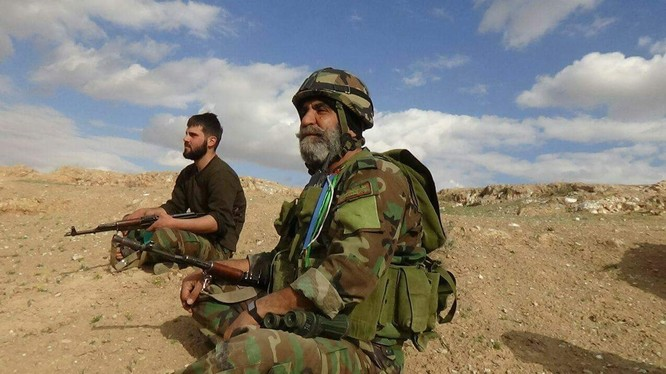 Chuẩn tướng Issam Zahreddine trên chiến trường Deir Ezzor