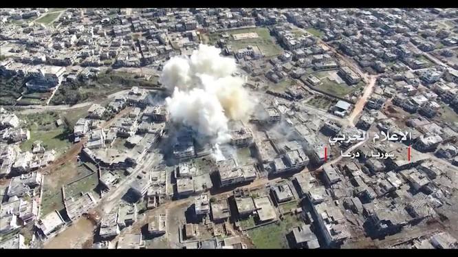 Cận cảnh vụ không kích của không quân Nga trên thành phố Daraa