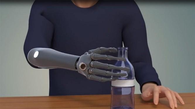 Bàn tay giả gắn camera, phát triển mới của các nhà công nghệ Mỹ