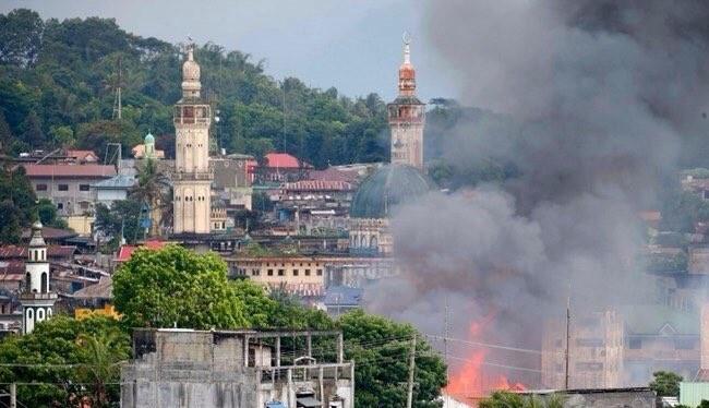 Giao chiên ác liệt trong thành phố Marawi, 8 thường dân bị IS sát hại