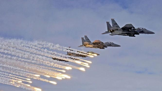 Không quân liên minh do Mỹ dẫn đầu không kích ở Syria