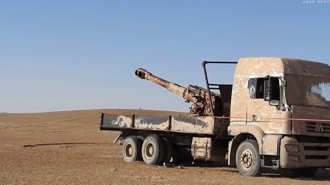 Pháo binh hạng nặng của IS tấn công Deir Ezzor