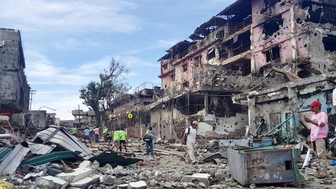 Thành phố Marawi tan hoang sau những trận đánh và các cuộc không kích
