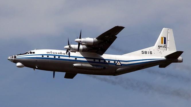 Một máy bay Y-8-200F của quân đội Myanmar. Ảnh: AFP