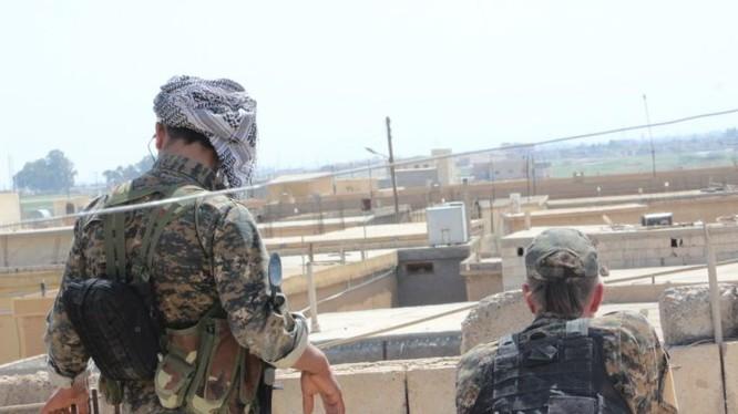 Lực lượng dân quân người Kurd tấn công vùng ngoại ô Raqqa