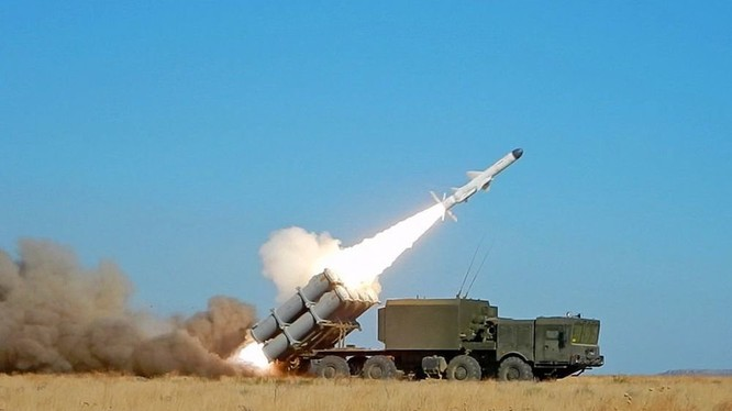 Tổ hợp tên lửa phòng thủ bở biển Bal-E sử dụng tên lửa Kh-35