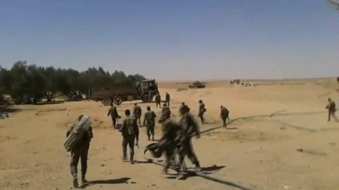 Binh sĩ quân đội Syria trên vùng biên giới với Iraq