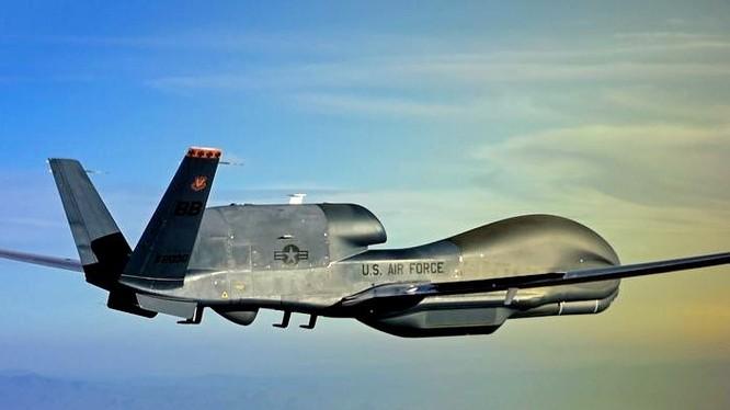 Máy bay trinh sát tầm cao Global Hawk Mỹ
