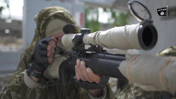 Một tay súng bắn tỉa của khủng bố IS