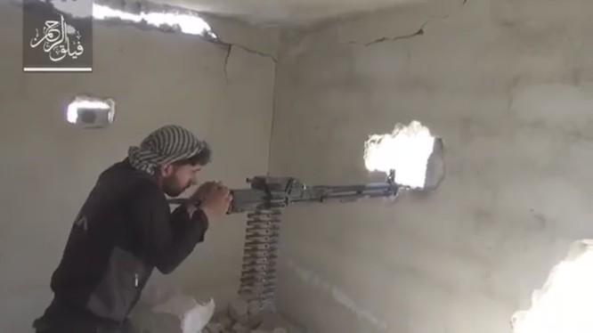Lực lượng Hồi giáo cực đoan đánh trả quyết liệt cuộc tấn công của quân đội Syria
