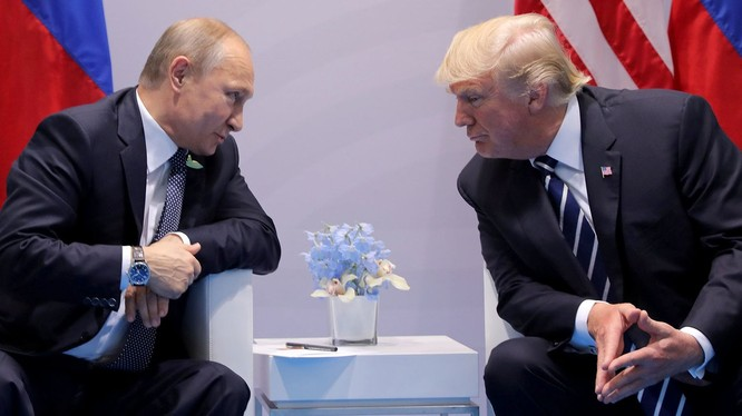 Cuộc gặp kéo dài hơn 2 giờ liên tiếp giữa tổng thống Mỹ Donald Trump và tổng thống Nga Vladimir Putin