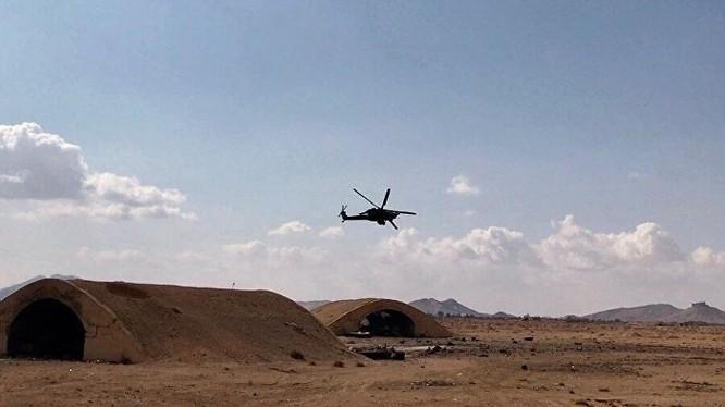 Trực thăng tấn công Mi-28 trên vùng sa mạc phía đông tỉnh Homs