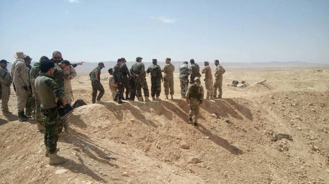 Binh sĩ lực lượng Lá chắn Qalamount trên chiến trường Hama