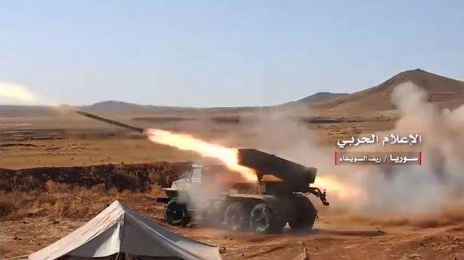Quân đội Syria pháo kích vào chiến tuyến của phiến quân trên vùng sa mạc Sweida