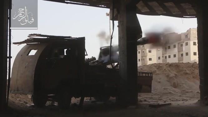 Nhóm Faylaq al-Rahman sử dụng pháo hạng nặng tấn công quân đội Syria
