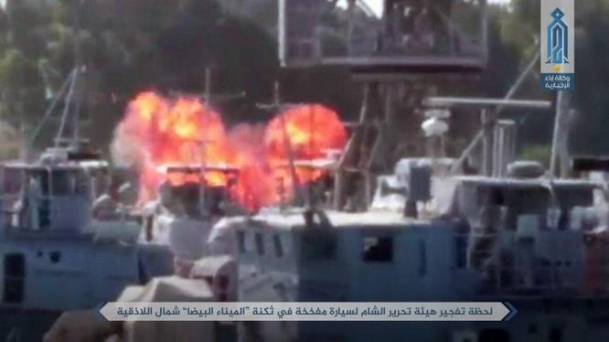 Hình ảnh môt vụ nổ trong căn cứ Hải quân Syria