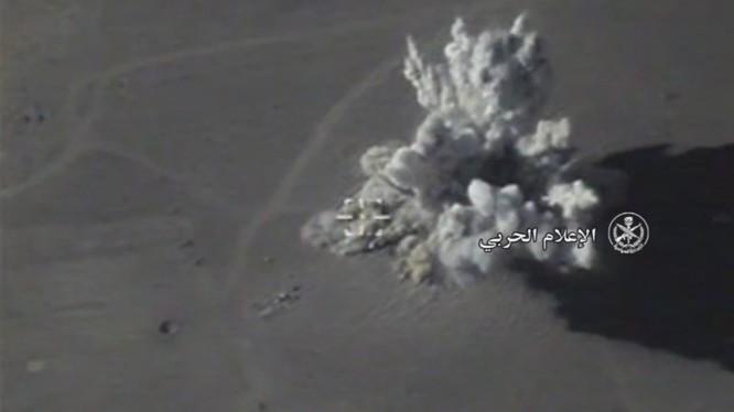 Không quân Nga không kích ác liệt thị trấn Sukhnah, sa mạc tỉnh Homs