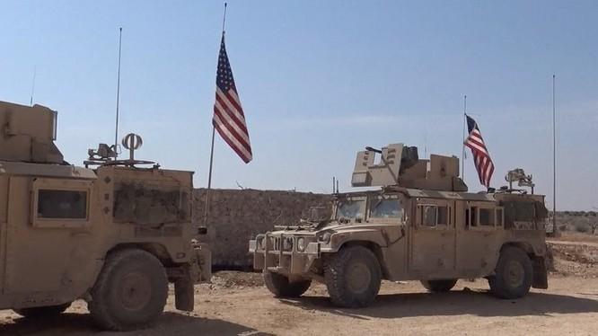Xe thiết giáp của quân đội Mỹ trên chiến trường tỉnh Raqqa
