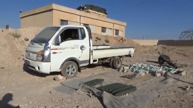 Quân đội Syria thu giữ một số lượng lớn vũ khí trên đường quốc lộ từ Idlib đến Aleppo