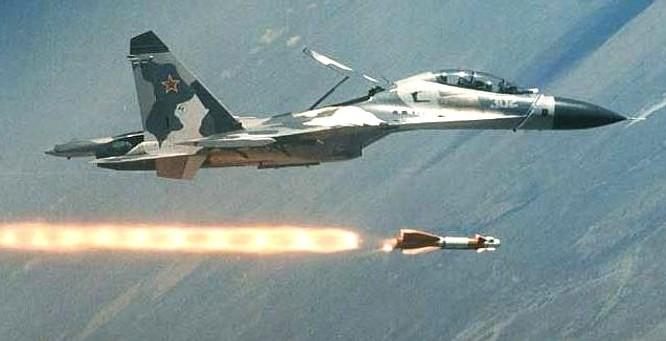 Máy bay chiến đấu Nga sử dụng tên lửa không đối đất
