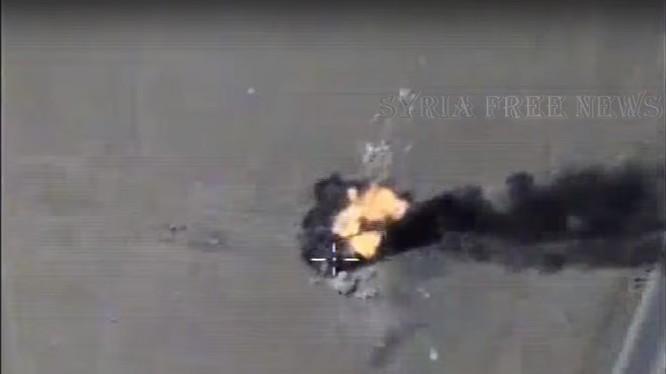 Không quân Nga không kích IS trên chiến trường Syria