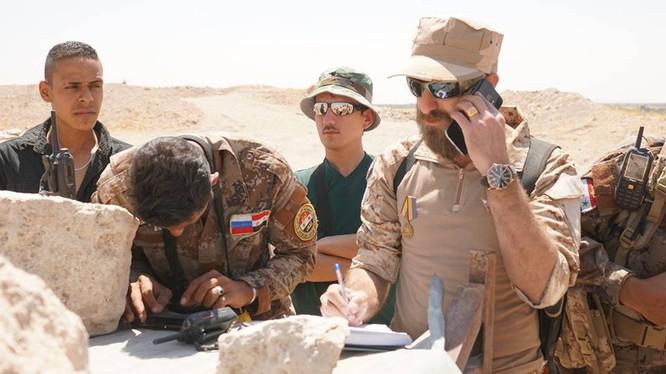 Lực lượng quân tình nguyện Syria, cố vấn quân sự Nga đang xây dựng phương án tác chiến trên chiến trường thị trấn al-Sukhnah