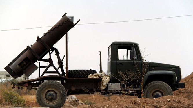 Một tổ hợp pháo phản lực hạng nặng - tương tự như pháo phản lực Elephant - Iran của quân đội Syria