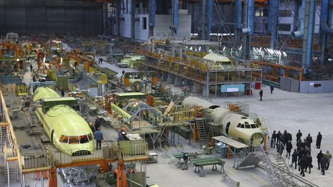 Khu lắp ráp máy bay của nhà máy sản xuất máy bay Antonov