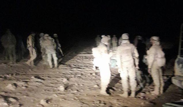 Binh sĩ lực lượng quân đoàn tình nguyện số 5 trên chiến trường gần thị trấn Al-Sukhnah