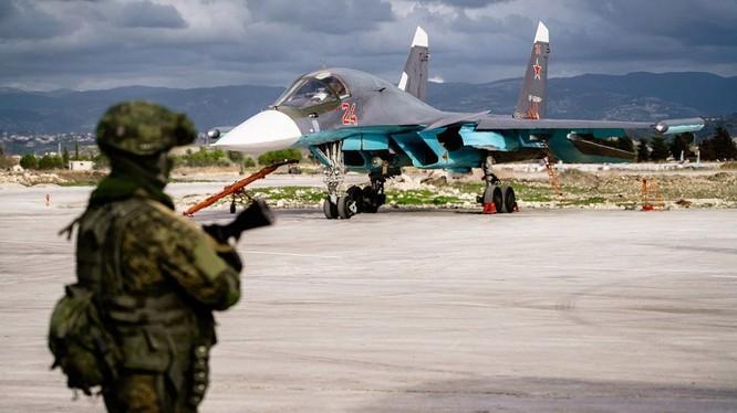Căn cứ không quân vũ trụ Nga ở sân bay quân sự Hmeymim thuộc tỉnh Lattakia, Syria