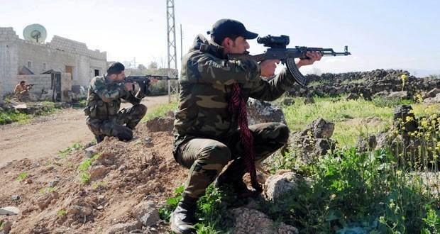 Bính sĩ quân đội Syria tấn công trên chiến trường Hama