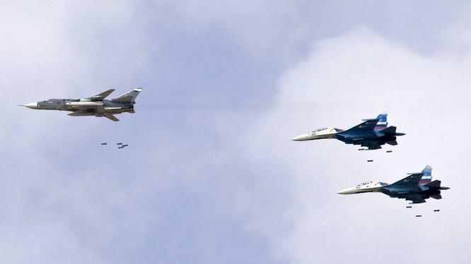 Không quân Nga trên chiến trường Syria - Ảnh Masdar News