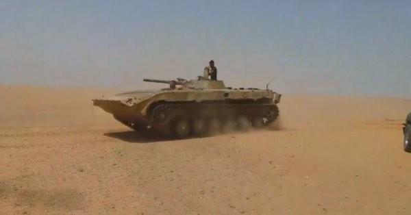 Xe bộ binh chiến đấu của lực lượng Tiger trên chiến trường Raqqa, Deir Ezzor - ảnh Masdar News
