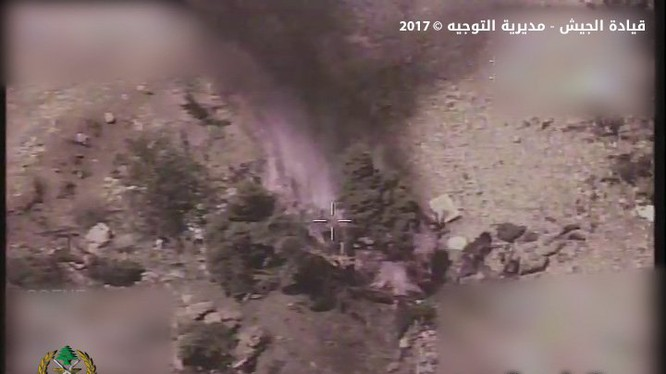 Quân đội Lebanon pháo kích trên chiến trường biên giới Lebanon - Syria
