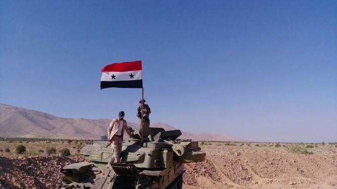 Quân đội Syria trên vùng biên giới Syria - Lebanon - ảnh minh họa của Masdar News